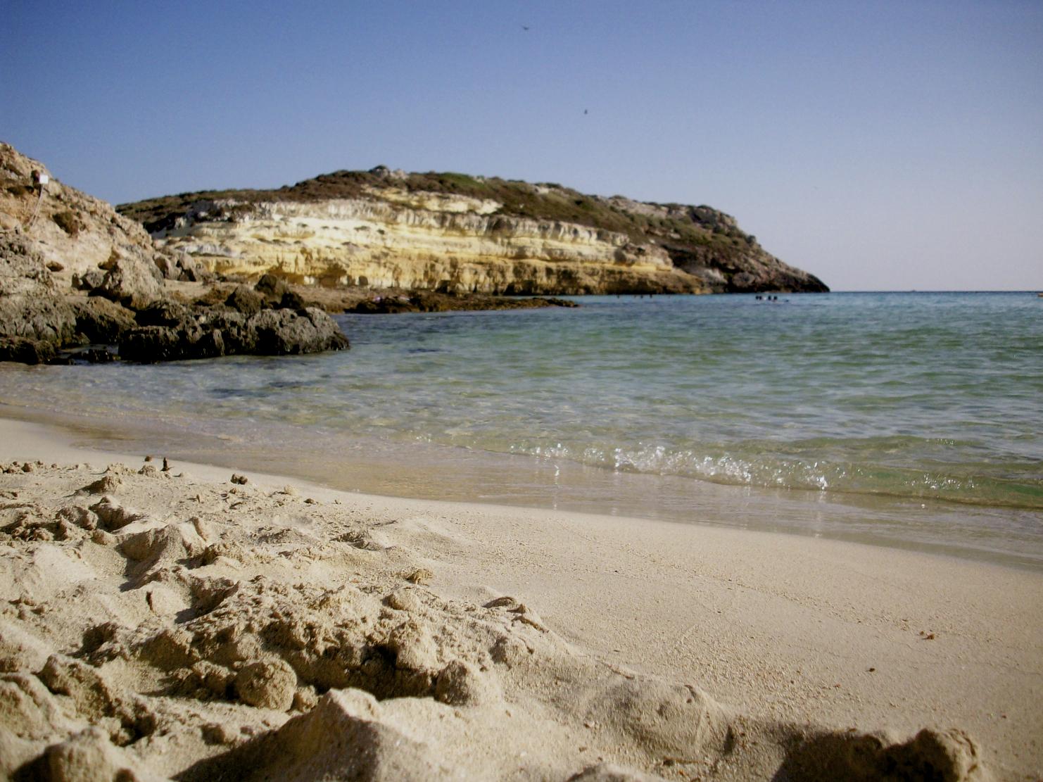 Lampedusa: omaggio ad un'isola tra Africa ed Europa